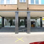 vchod kanceláře, sklady Praha 5